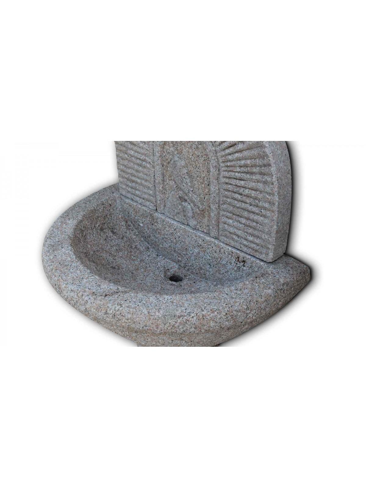 Hoher Brunnen aus rosa Granit Nr.1